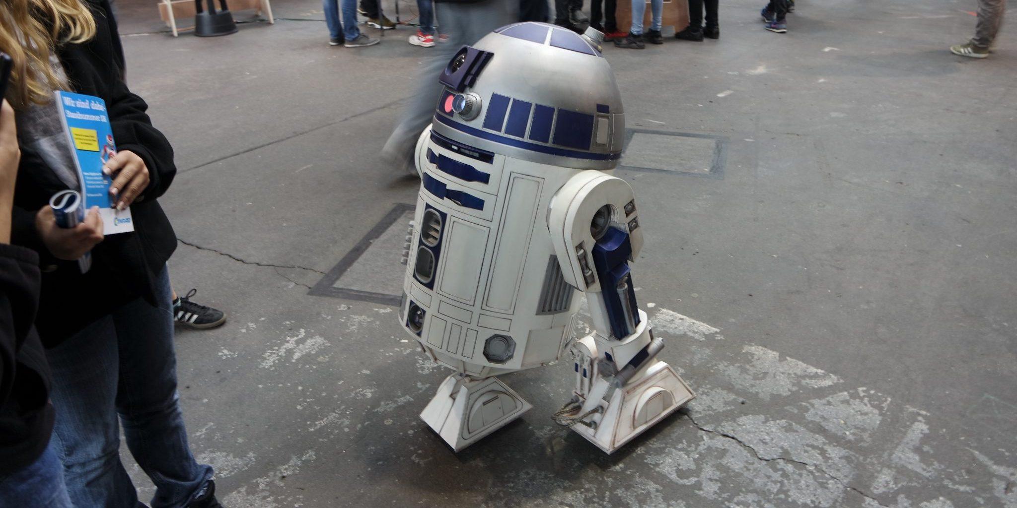 Maker Faire R2D2