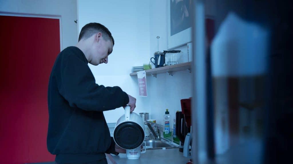 Die Mediengestalter Bild und Ton in einem Filmprojekt, Küchenszene