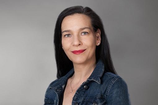 Claudia von Garnier - Assistentin der Geschäftsführung